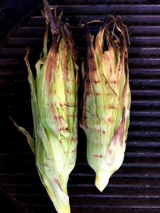 Grilled Corn Cobs in Husks